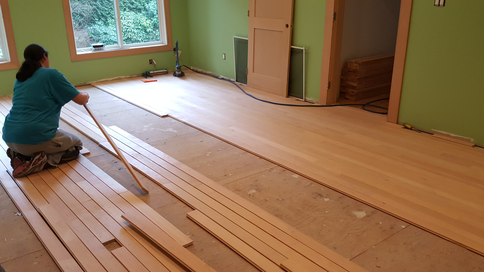 how to install floor